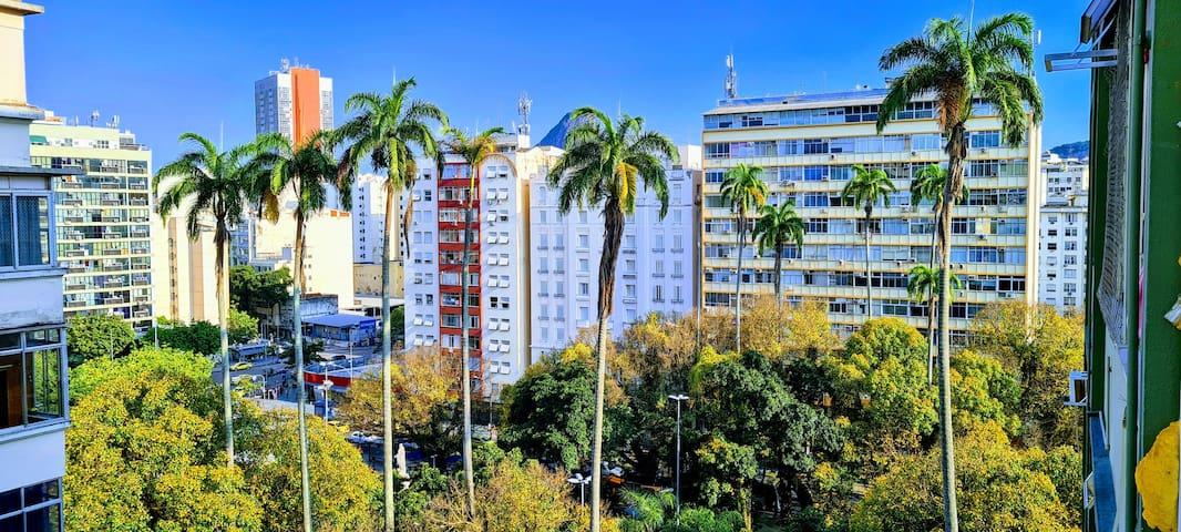 Guide to Largo do Machado