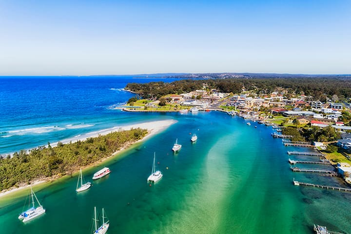 Things to do and Eat in and around Huskisson & Vincentia