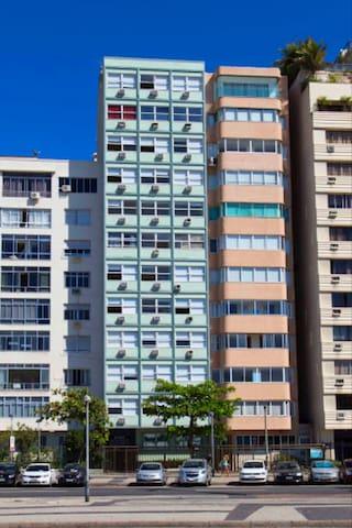 Guia de Temporada Copacabana