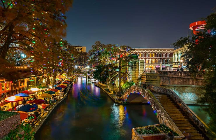 Isabella's guidebook - San Antonio