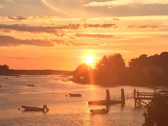 Ipswich, MA guidebook & things to do in nearby towns