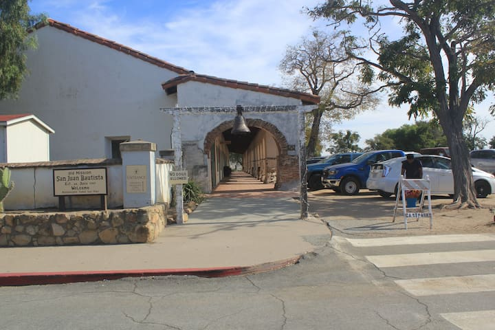 Places in San Juan Bautista