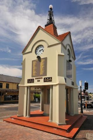 Guidebook for Mittagong and The Southern Highlands