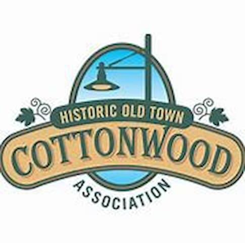 Leila's Cottonwood Guide