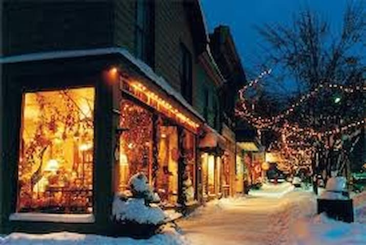 Wood Haven Guide to the Ellicottville Area