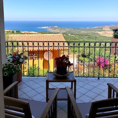 Guida Sweet Home Isola Rossa Panorama