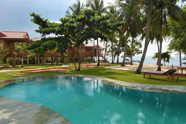 Cay Sao Beach Resort's guidebook