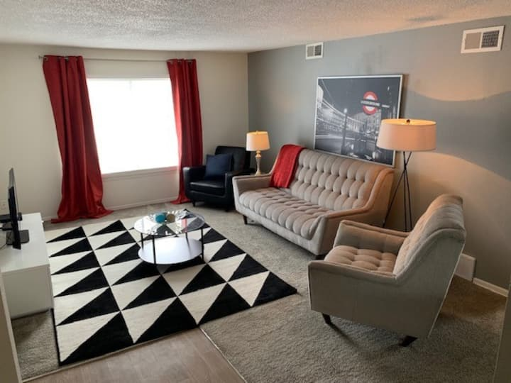 Homey place just for you | 2BR in Kansas City