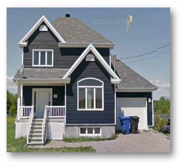 Mashteuiatsh maison bleue-Chambre 1