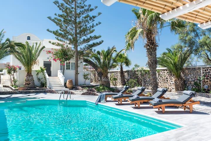 Beach front luxury villa ( Damma villa)