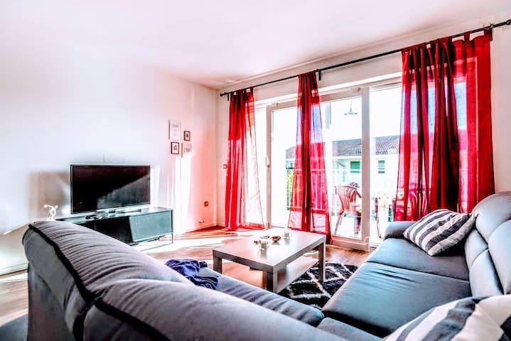 Enjoy Sun In Spacious Apartment by Mediterraneo