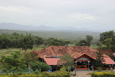 Gratifying jungle living - Nilgiris - Bed & Breakfast