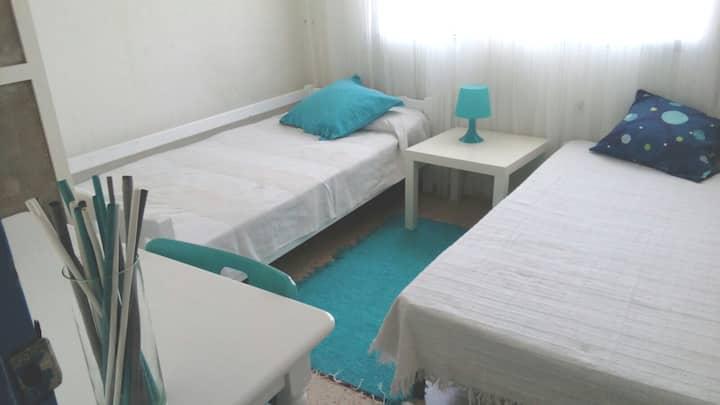 Una bonita habitación en casa con encanto