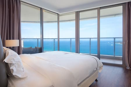 三亚海棠湾保利财富三室一厅270°海景房(付款时请先咨询房态)