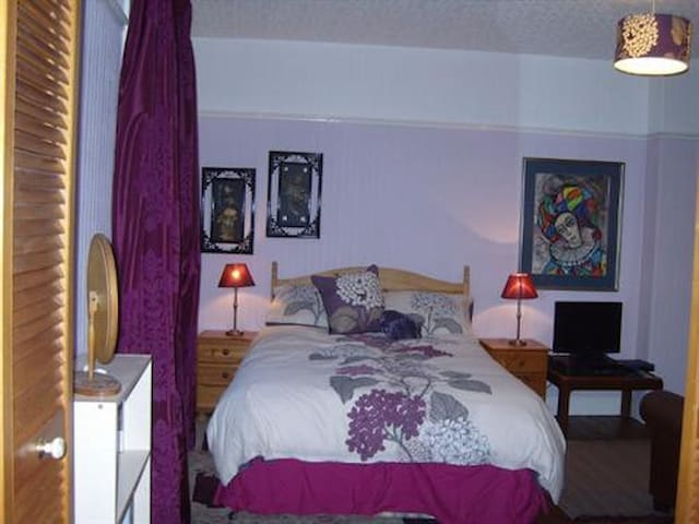 Comfortable double room with ensuite facilities