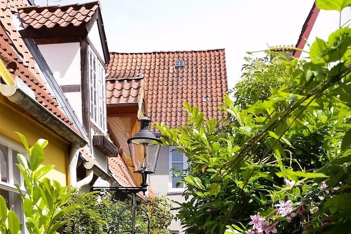 historisches Ganghäuschen im Herzen von Lübeck