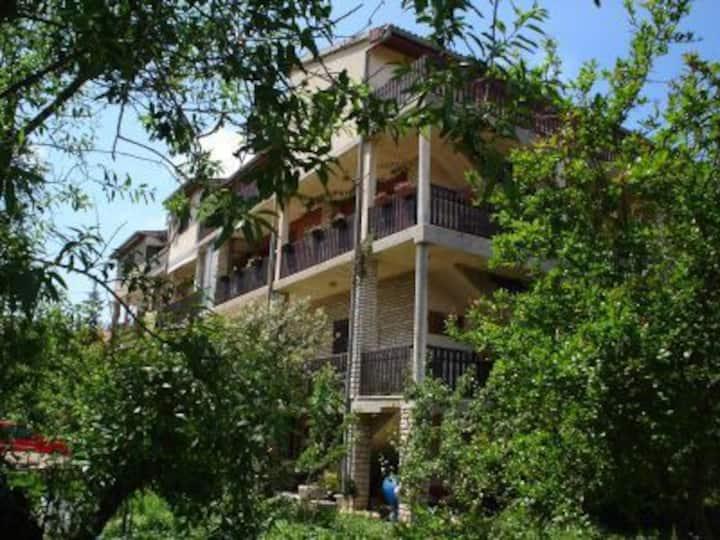 Sea view apartment Nar nearby beach, sleeps 3