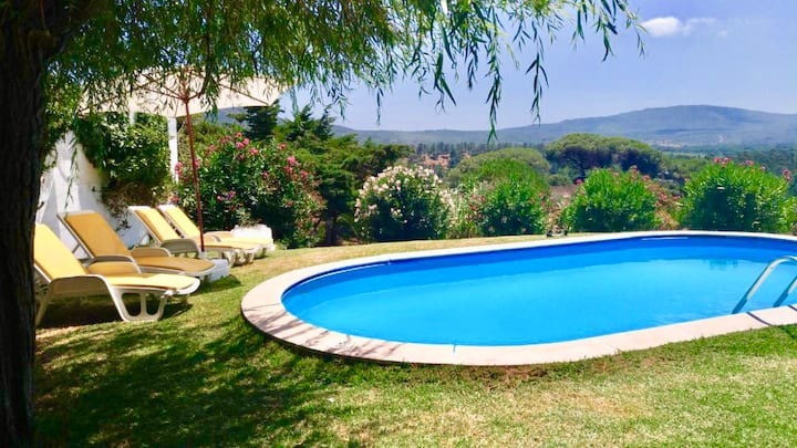Quinta da Periquita - villa with a swimming pool