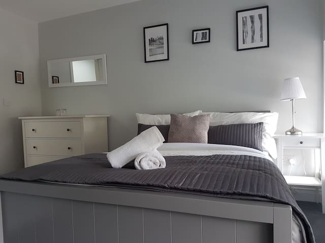 Private Ensuite Room Double/Twin in Enniskerry
