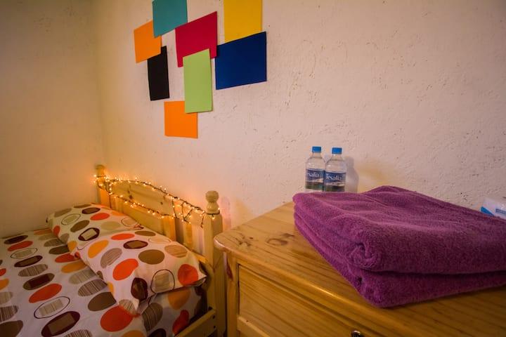 Cozy and private mini apartment Quito central.