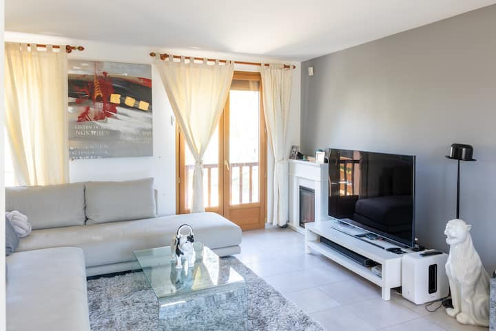 Great location and close to the Orly airport.