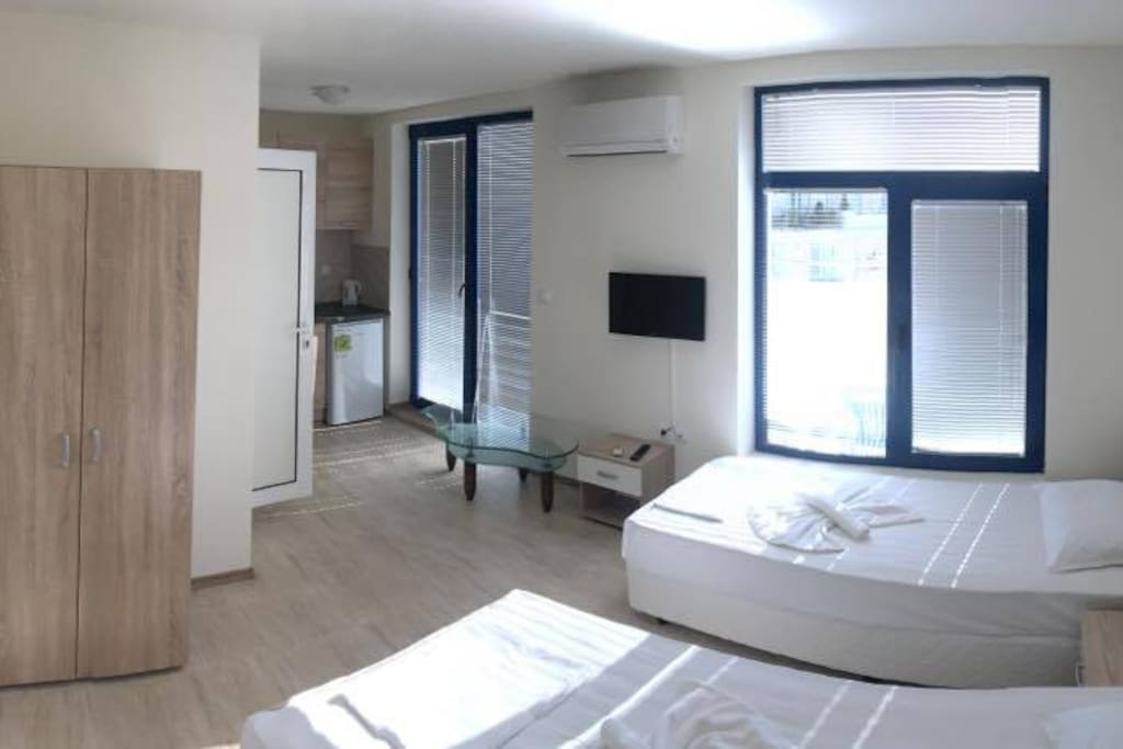 Roof apartment with large terrace. Room incl. King size bed for 2