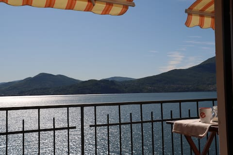 saját terasszal rendelkező apartman kilátással a tóra
