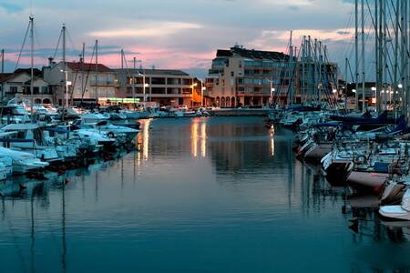 Joli Studio Valrasplage, vue sur le port et la mer - Valras-Plage - Apartment