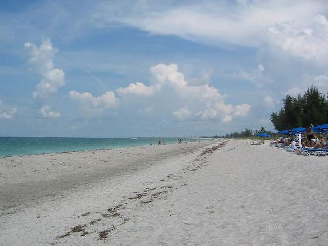 South Seas Captiva Getaway
