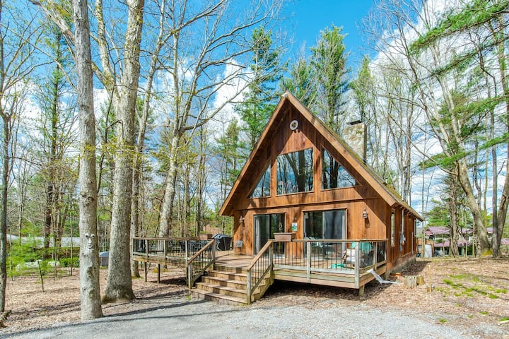 DOGS WELCOME! Lake Access Home w/Dock Slip, Hot Tub, & Wood Fireplace!