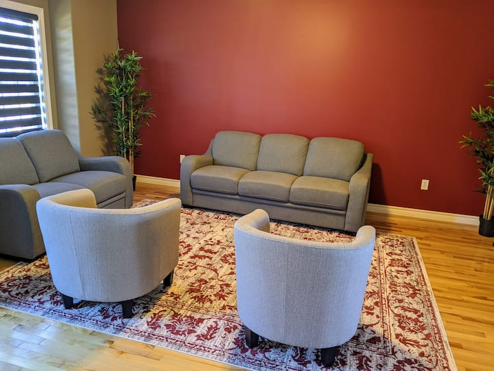 AC Basement suite with private Bath and Media area