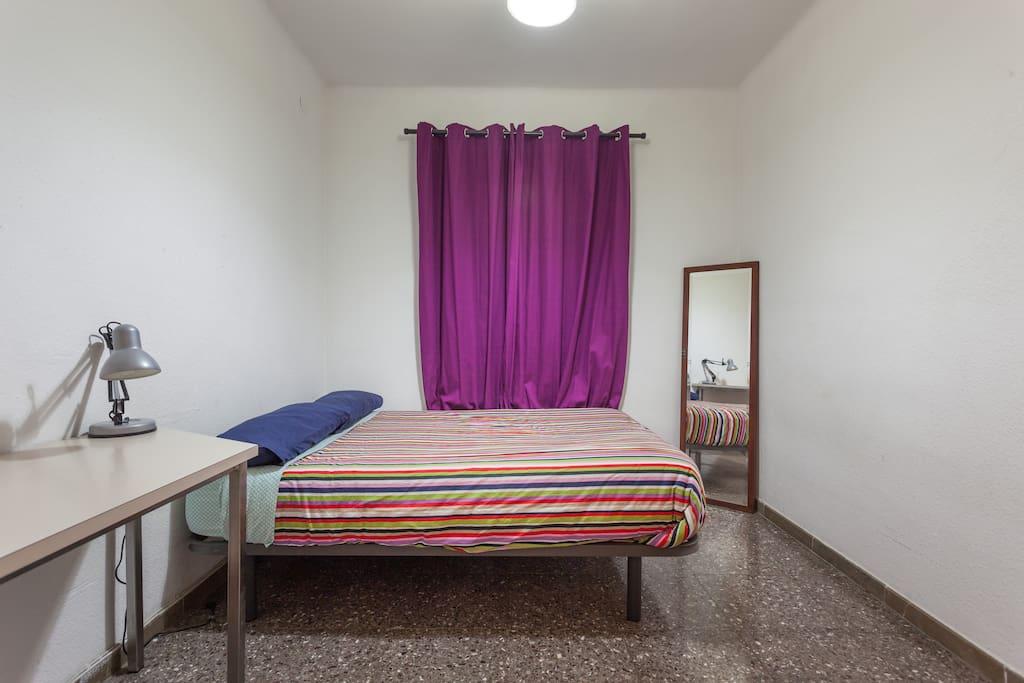 Habitaci n en barcelona sants appartementen te huur in for Habitacion barcelona