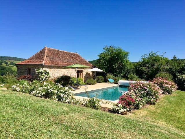 Romantic Cottage Dordogne Valley---Heated Pool