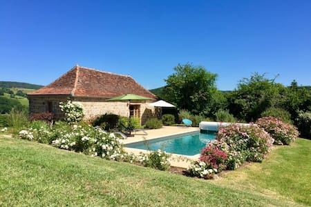 Romantic Cottage Dordogne Valley---Heated Pool