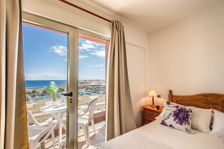 Gran Canaria ,Arguineguin beach apartment