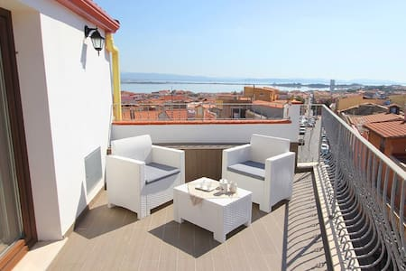Monolocale in centro vista mare/amazing view