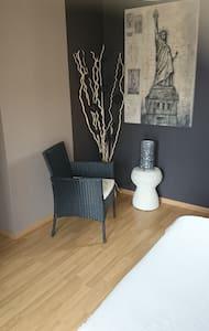 Chambre Zen avec Balcon dans quartier calme - Libourne