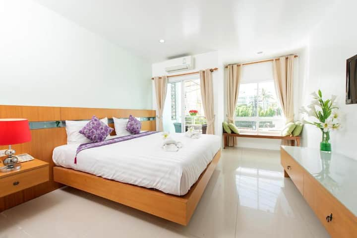 Modern Deluxe Double Room at The Great at Patong