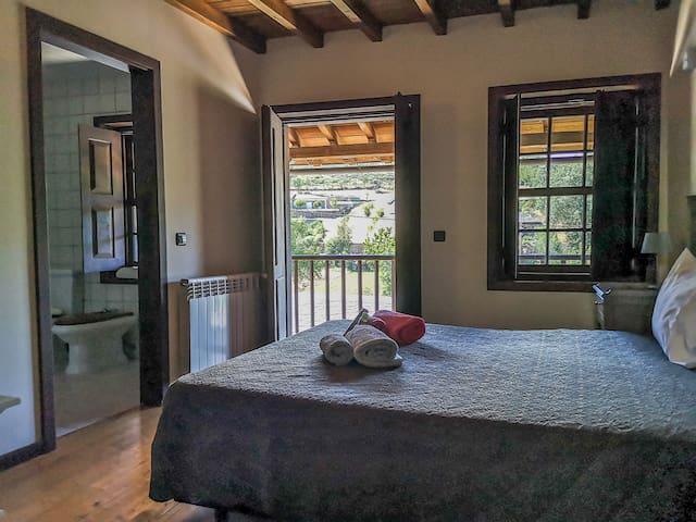 Enjoy the surrounding nature in Casa do Lelo