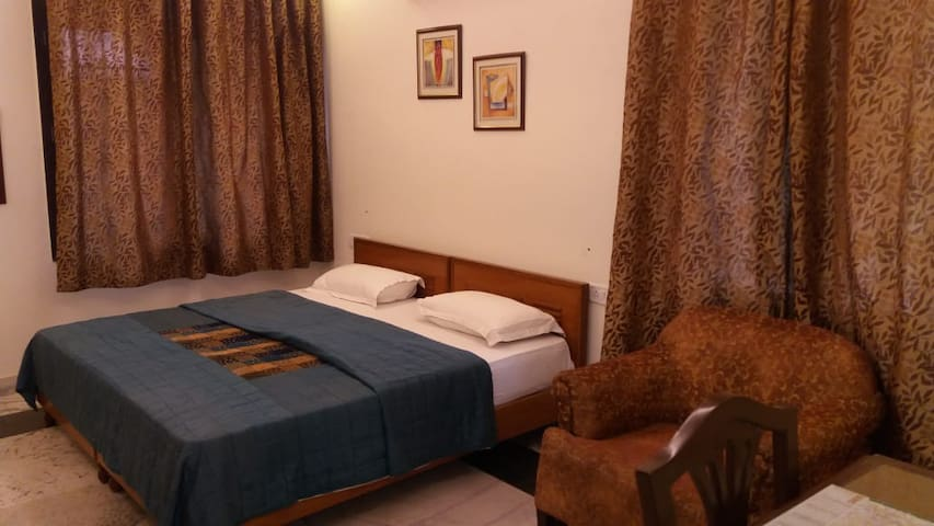 4 BHK  Serviced Apartment with Modern Amenities
