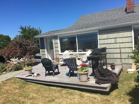 Historic Beach Cabin, Sunlight Beach - accessible