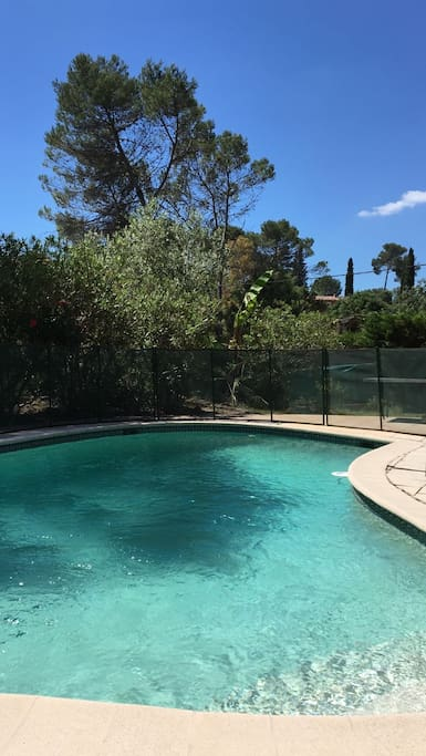 Villa avec piscine en provence maisons louer mouans for Piscine mouans sartoux