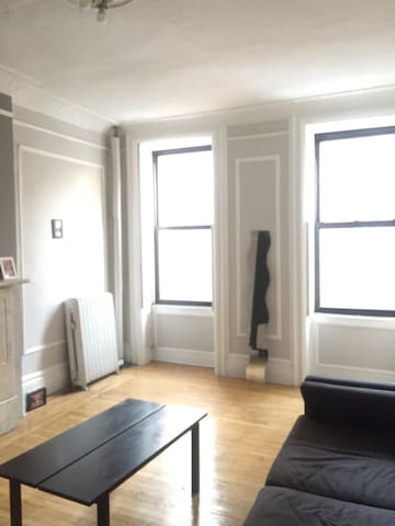 Private midtown Apt w/ shared bath - New York - Daire