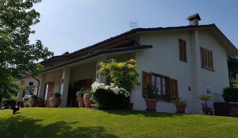 La casa di Nonna Nanna - Alba - Villa