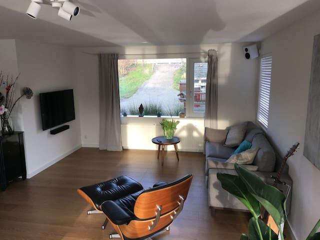 Modern Houseboat, Close to city centre