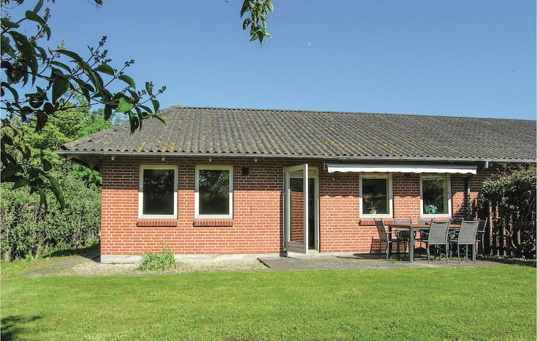 Holiday cottage with 2 bedrooms on 85m² in Humble