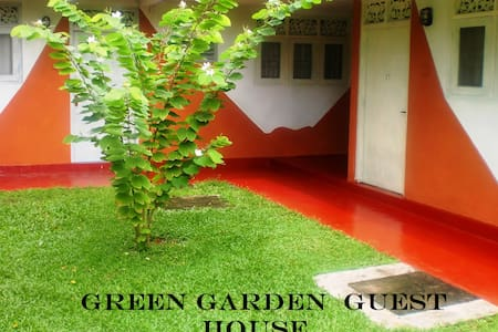 Green Garden Guest House - Pousada