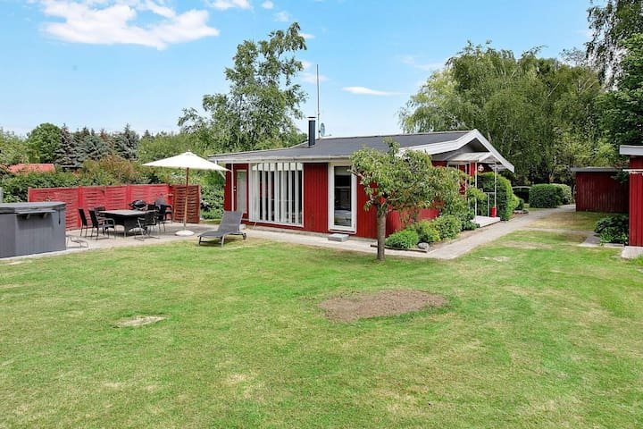 6 person holiday home in Præstø