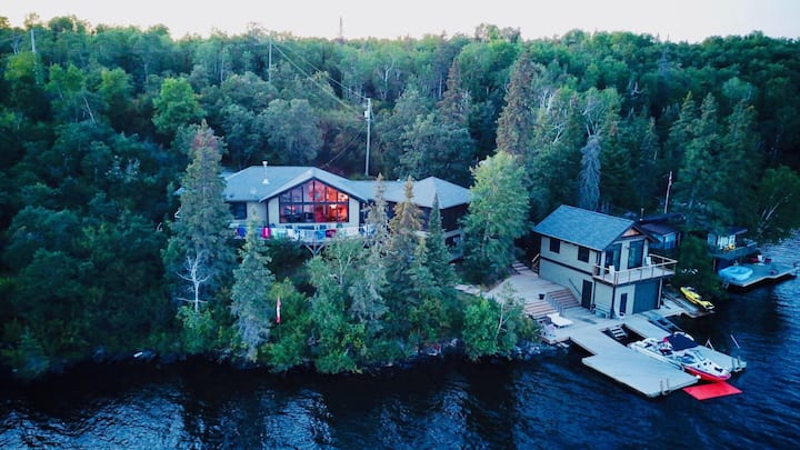 Lake House Paradise (summer dates unavailable)