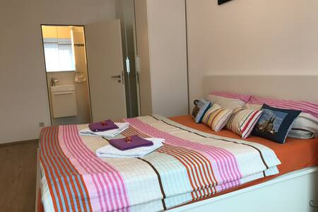 Modern room with private bathroom in Centre - Luxemburg - Wohnung